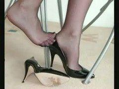 Lange Beine in scharfen Nylons gehüllt